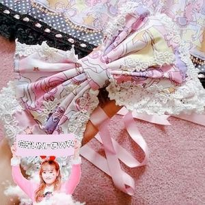 Official Bodyline Carousel Headbow in pink